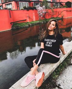 Super cute bae @ivana_mrazova #shopart #outfit #pants #tee #supercool #springsummer18 #collection #shopartmania Look available in store!