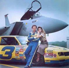 Dale Earnhardt and Teresa Earnhardt Dale Earnhardt Crash, Taylor Earnhardt, Teresa Earnhardt, Nascar Race Cars, Nascar Sprint, Sprint Cup, The Intimidator, Kevin Harvick, Vintage Race Car