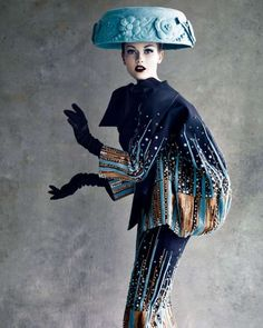 """Christian Dior Haute Couture 2008 - Shot by Patrick Demarchelier. One of John Galliano's more whimsical takes (he did several) on Dior's signature """"Bar"""" suit. Galliano took Dior's sculptured elegance into a realm of unparalleled theater and fantasy. Dior Haute Couture, Christian Dior Couture, Style Couture, Couture Fashion, Foto Fashion, Fashion History, Fashion Art, High Fashion, Womens Fashion"""