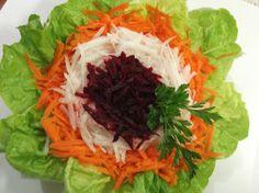 COMIDINHAS       FÁCEIS: Salada de alface, cenoura, beterraba e nabo
