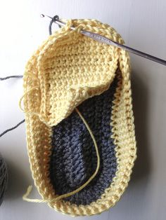 Free Tutorial for Baby Loafers by AnnooCrochet Designs ❥Teresa Restegui http://www.pinterest.com/teretegui/❥