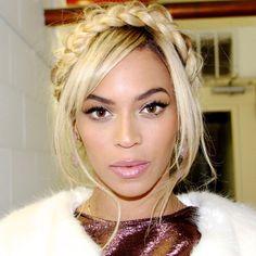 Hairband plait, hair up. Festival. Bohemian Hairstyles, Braided Hairstyles, Cool Hairstyles, Milkmaid Braid, Plaits, Beyonce Makeup, Blue Ivy Carter, Natural Hair Styles, Long Hair Styles