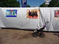 Työtön robotti!: Kamera kuvaa julistetta ja vastarintaa: Suohpanterror ja Maailma kylässä Satu, Baby Strollers, Children, Photography, Camera, Baby Prams, Young Children, Boys, Photograph