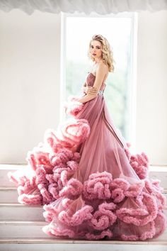 IG: @dress.empire Beautiful Frocks, Flowy Gown, Saree Gown, Sexy Gown, Tulle Wedding, Wedding Bells, Wedding Story, Classy Women, Dance Dresses