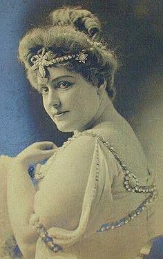 Lillian Russell 1899