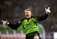 Former Manchester United goalkeeper Peter Schmeichel tips the Reds to beat Manchester City to the Premier League title. Peter Schmeichel, Manchester United Premier League, Manchester City, Soccer News, Sports News, Leicester, Denis Law, Man Utd News, Sir Alex Ferguson