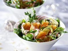 Heerlijk slaatje met gerookte zalm - Libelle Lekker! Recipe Images, Caprese Salad, Bruschetta, Lunches, Cantaloupe, Potato Salad, Salads, Low Carb, Potatoes