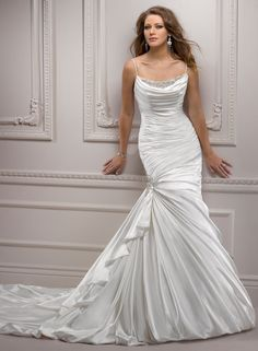 Very Pretty and Lovely Wedding Dress