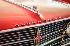 Oldsmobile Images by Jill Reger - Images of Oldsmobiles - 1962 Oldsmobile Starfire Hardtop Hood Ornament