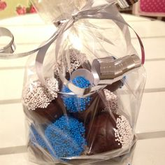 Gift bag! #cakepop #ifk #blåvitt #chokladboll #göteborg #linné #gift #present #yummy #fint #gott #gottigottgott #julklapp