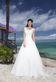 Sincerity 3771 from Bridal Shop Romford 01708 743999 www.bridalshopltd.co.uk
