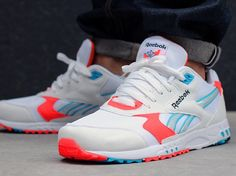Reebok Inferno Hexalite Teal & Neon Sign