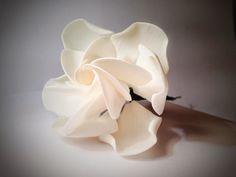 Tutorial de gardenia en pasta de goma                                                                                                                                                      Más