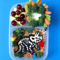 Super fun dino themed lunch | packed in @EasyLunchboxes containers via lunarbell_lunch - Instagram
