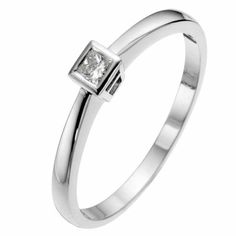 9ct white gold diamond solitaire ring - Ernest Jones