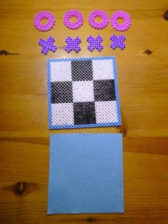 23 Clever DIY Christmas Decoration Ideas By Crafty Panda Easy Perler Bead Patterns, Melty Bead Patterns, Perler Bead Templates, Diy Perler Beads, Perler Bead Art, Beading Patterns, Hama Beads Coasters, Hamma Beads Ideas, Paper Folding Crafts