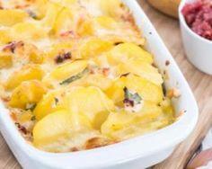 Courgettes et pommes de terre gratinées : http://www.fourchette-et-bikini.fr/recettes/recettes-minceur/courgettes-et-pommes-de-terre-gratinees.html