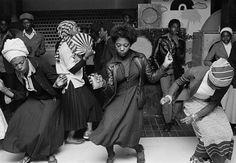 Dancing at the disco in Wolverhampton, England 1978 © Chris Steele-Perkins/Magnum Photos Wolverhampton, Magnum Photos, Walker Evans, Robert Mapplethorpe, Robert Doisneau, Poses, Dancehall, Youth Club, Diane Arbus