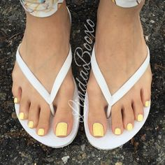 This color just brings out the azn persuazn in me #fuckafilter #pretty #yellowtoes
