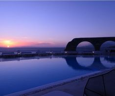 Deep blue and amazing view. Mykonos Town, Hotel Suites, Greek Islands, Luxury Travel, Best Hotels, Deep Blue, Sunsets, Traveling, Amazing