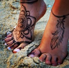 Thinking about getting some ink this year? Get some great tattoo inspiration from these top 8 most popular tattoos for 2014!