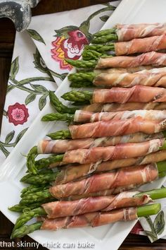 Prosciutto Wrapped Asparagus | A 3 ingredient appetizer!