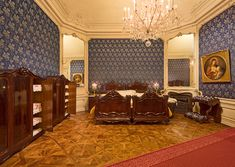 Discover Schönbrunn Palace on a virtual tour through the State Rooms of the Imperial summer residence in Vienna. Exterior Design, Interior And Exterior, Impératrice Sissi, Empress Sissi, Royal Bed, Palace Interior, Famous Castles, Royal Design, Bavaria
