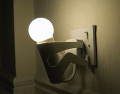 The Martyr lamp - an energy saver project I want this little man night light. Ampoule Design, Deco Restaurant, Energy Saver, Luminaire Design, Blog Deco, Night Lamps, Night Lights, Cool Gadgets, Amazing Gadgets