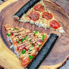 🍕You'll always have a pizza of my heart💔 . 🍣Remember the sushi donut? Well, I present to you the sushi pizza. Just as yummy and fun. Think Food, I Love Food, Good Food, Yummy Food, Sushi Recipes, Asian Recipes, Cooking Recipes, Healthy Recipes, Sushi Pizza Recipe
