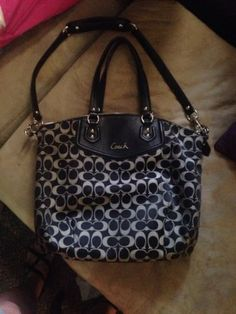 Authentic Large Coach Purse Black And Gray No.C1382-F25185