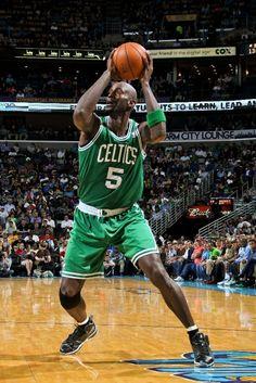 Garnett fakes off a defender (March 20, 2013 | Boston Celtics @ New Orleans Hornets | New Orleans Arena in New Orleans, Louisiana)