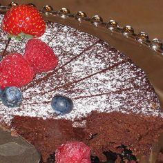 Eastern European Chocolate Dessert Recipes: Jewish Flourless Chocolate Cake Recipe
