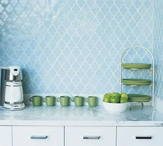 Love this pattern and the color is so classy and refreshing!