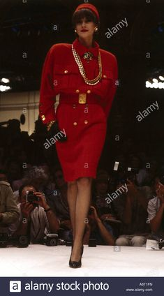 Dieses Stockfoto: fashion, 1980s, mannequin, wearing dress, full length, catwalk, spring summer, by Chanel, 1985