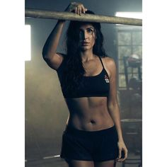 Katrina Kaif is all sorts of fitness and body goals. Don't you think? Most Beautiful Bollywood Actress, Bollywood Actress Hot Photos, Indian Bollywood Actress, Beautiful Indian Actress, Bollywood Celebrities, Arab Celebrities, Beautiful Actresses, Katrina Kaif Bikini Photo, Picture Of Katrina Kaif