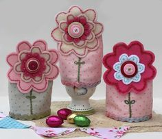 These are cute! I love the flowers, and could adapt these for other things...