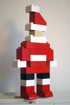 Duplo Santa by Annabelle Nielsen, via Flickr