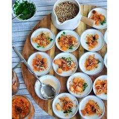 This Banh Beo Hors D'oeuvres recipe is featured in the Southeast Asian Cuisine feed along with many more. Vietnamese Cuisine, Vietnamese Recipes, Tasty, Yummy Food, Hors D'oeuvres, Shutter Speed, Quick Easy Meals, Nom Nom, Dinner