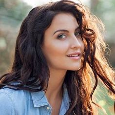 Elli Avram Biography, Age, Height, Weight, Boyfriend, Family, Wiki & More English Actresses, Indian Actresses, Biography, Dancer, Boyfriend, Age, Long Hair Styles, Beauty, Dancers