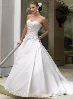 Robe ligne A évasée bustier en coeur corsage rebrodé dentelle traine robe de mariée satin dentelle