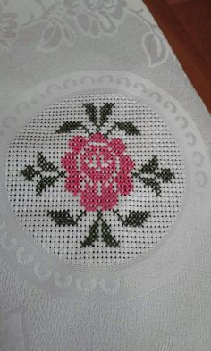 This Pin was discovered by Mar Butterfly Cross Stitch, Cute Cross Stitch, Cross Stitch Rose, Cross Stitch Borders, Cross Stitch Flowers, Cross Stitch Designs, Cross Stitching, Cross Stitch Patterns, Hand Work Embroidery