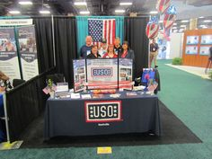 USO Volunteers with a Veteran - Army Aviation Conference