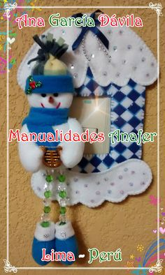 Hermosos switcheros navideños hechos a mano y elaborados en paño lency. Ideal para decorar todos los rincones de tu hogar. Rapunzel Sketch, Coraline Doll, Real Spiders, Snow White Evil Queen, Belly Painting, Disney Sleeping Beauty, Christmas Crafts, Christmas Ornaments, Disney Tangled