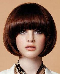 Bob Full & Smooth Hairstyle - Very Sexy! Classic Hairstyles, Retro Hairstyles, Bob Hairstyles, Short Hair With Bangs, Short Hair Cuts, Medium Hair Styles, Short Hair Styles, Mushroom Hair, Mod Hair