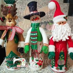 sell beautiful Christmas crafts - models 2014 - Her Crochet Diy Halloween Decorations, Halloween Diy, Christmas Decorations, Holiday Decor, Christmas Crafts, Xmas, Christmas Ornaments, Cone Trees, Wine Bottle Crafts