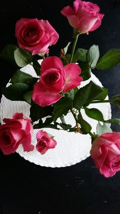 HomeDECORATE. Simple&BEAUTY ROSES. HYVÄNTEKEVÄISYYS Kampanja. Like&SUPPORT. Roosanauha.fi