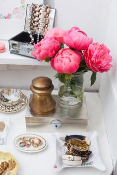 Alaina Kaczmarski's Lincoln Park Apartment Tour #theeverygirl #dressing room #vanity #jewelry #peonies