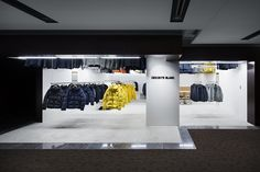 Gallery of DESCENTE BLANC Marunouchi / Schemata Architects - 6