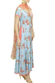 SEEMA KHAN Blue floral print and peach pink embroidered kalidaar set available only at Pernia's Pop-Up Shop. Indian Clothes, Indian Outfits, Eid Special, Pernia Pop Up Shop, Indian Ethnic Wear, Desi, Floral Prints, Peach, Luxury