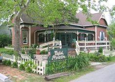 Waxahachie, Texas (Catfish Plantation..haunted restaurant!)
